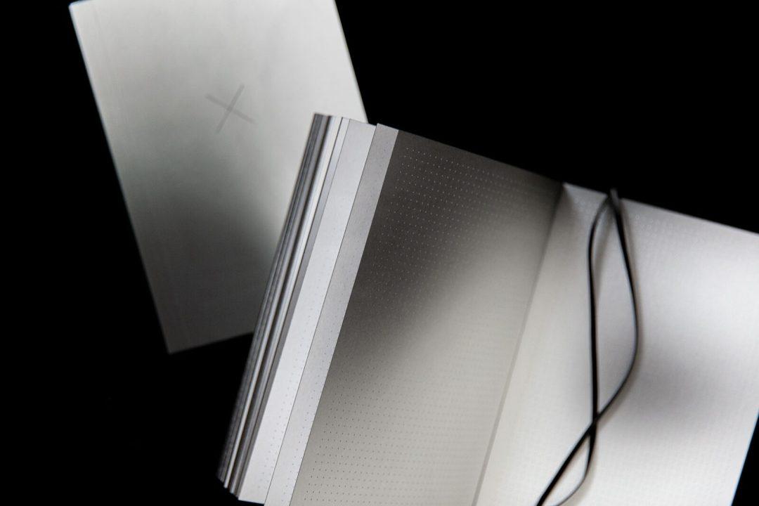 Auranotebook | Monochrome